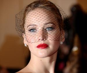 Jennifer Lawrence Bakal Hos MET Gala Tahun Hadapan