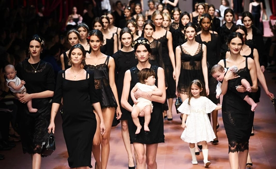 Italy Fashion: Women's Fall/Winter 2015-2016 collections: Dolce&Gabbana