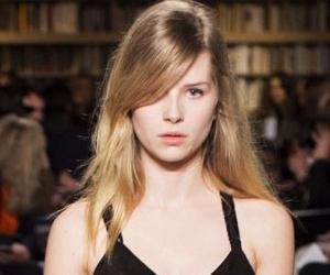 Adik Kate Moss Debut Runway Di Minggu Fesyen Paris