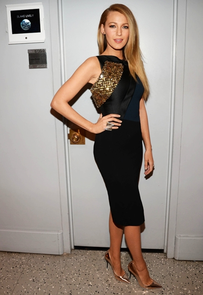 Blake Lively Makes An Outfit Change At The Tonight Show With Jimmy Fallon