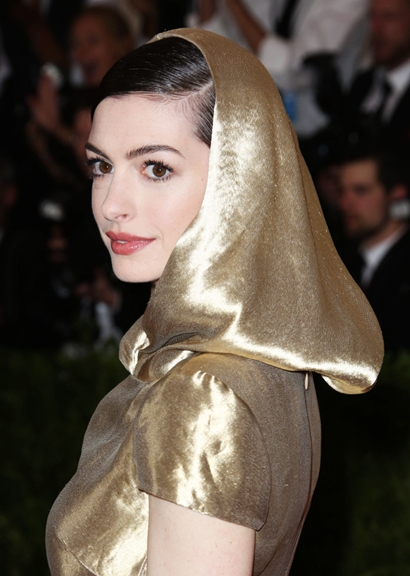 Mandatory Credit: Photo by Matt Baron/BEImages (2702046fu) Anne Hathaway Costume Institute Gala Benefit celebrating China: Through the Looking Glass, Metropolitan Museum of Art, New York, America - 04 May 2015