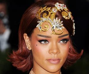 Perhiasan Kepala Trend Met Gala 2015