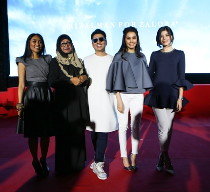 Rizalman with the stars of 'Lara'and singer Dayang Nurfaizah