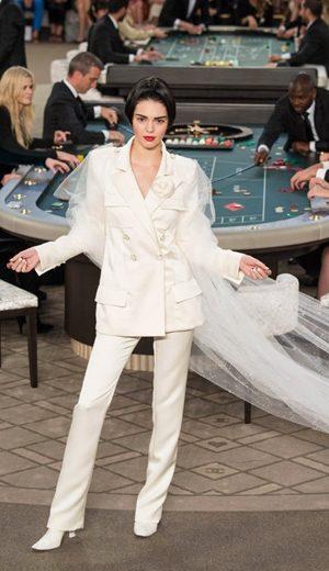 Kasino Jadi Medan Chanel Couture Fall 2015