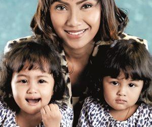 Nikky Azura Kongsi Pengalaman Sebagai Ibu Kepada Pasangan Kembar