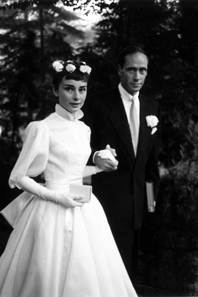 54bc04108be66_-_hbz-wedding-dresses-audrey-hepburn