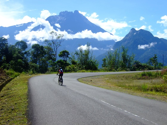Mt-Kinabalu-Scenary-Bicycling