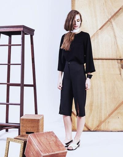 Thavia_CarlaCullote_Lookbook_Front_grande
