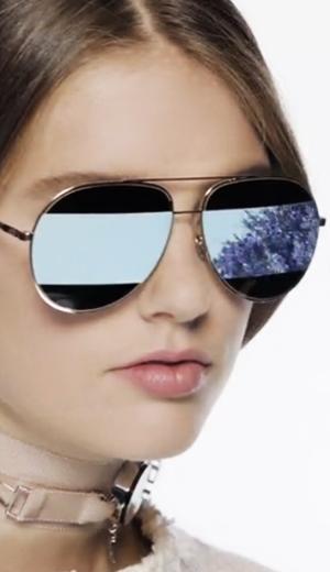 Interpretasi Grafik Dior Split
