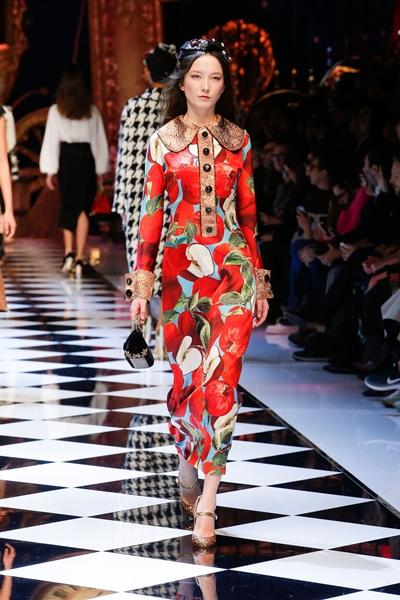 dolce-and-gabbana-fall-winter-2016-17-women-fashion-show-07-1600×2400