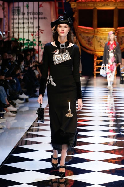 dolce-and-gabbana-fall-winter-2016-17-women-fashion-show-15-1600×2400