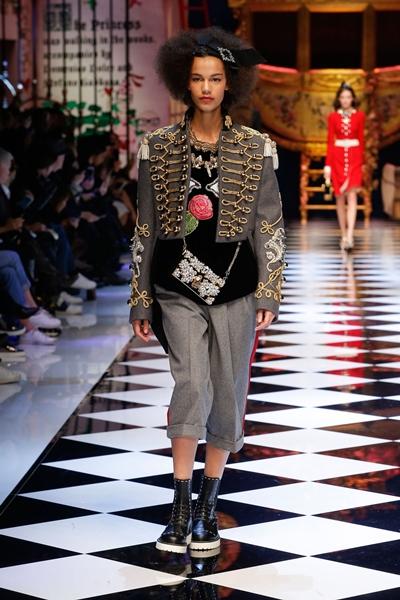 dolce-and-gabbana-fall-winter-2016-17-women-fashion-show-18-1600×2400