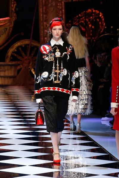dolce-and-gabbana-fall-winter-2016-17-women-fashion-show-22-1600×2400