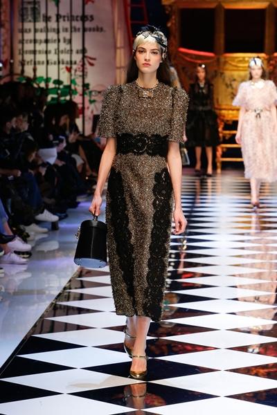 dolce-and-gabbana-fall-winter-2016-17-women-fashion-show-30-1600×2400