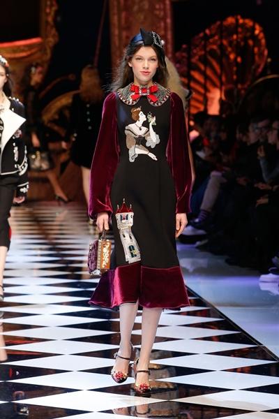 dolce-and-gabbana-fall-winter-2016-17-women-fashion-show-37-1600×2400