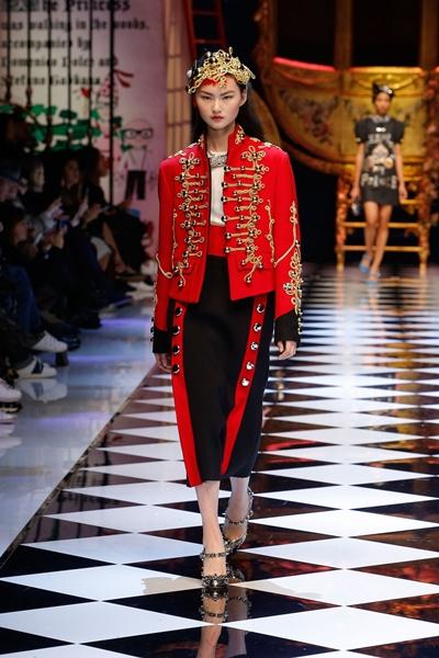 dolce-and-gabbana-fall-winter-2016-17-women-fashion-show-45-1600×2400