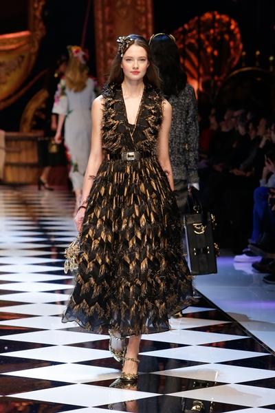dolce-and-gabbana-fall-winter-2016-17-women-fashion-show-46-1600×2400