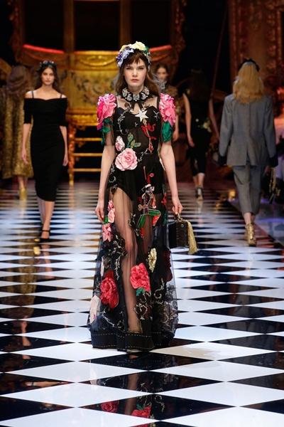 dolce-and-gabbana-fall-winter-2016-17-women-fashion-show-runway-59-1600×2400
