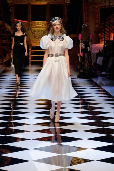 dolce-and-gabbana-fall-winter-2016-17-women-fashion-show-runway-62-1600×2400
