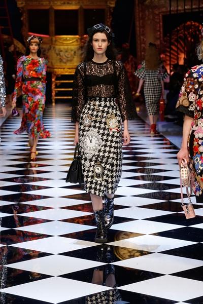 dolce-and-gabbana-fall-winter-2016-17-women-fashion-show-runway-68-1600×2400