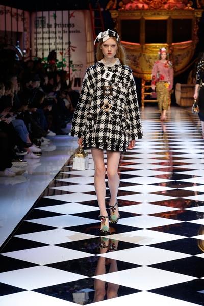 dolce-and-gabbana-fall-winter-2016-17-women-fashion-show-runway-72-1600×2400