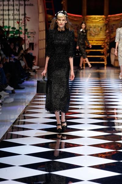 dolce-and-gabbana-fall-winter-2016-17-women-fashion-show-runway-81-1600×2400