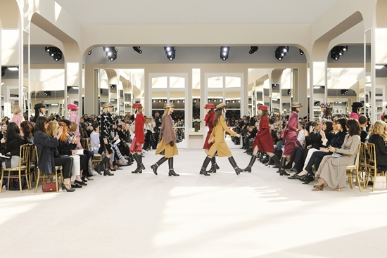 fw_2016_17_rtw_finale_pictures_by_olivier_saillant_007