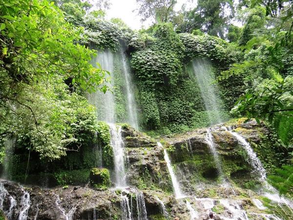 wpid-21-08-41-benang-kelambu-waterfall-3-jpg