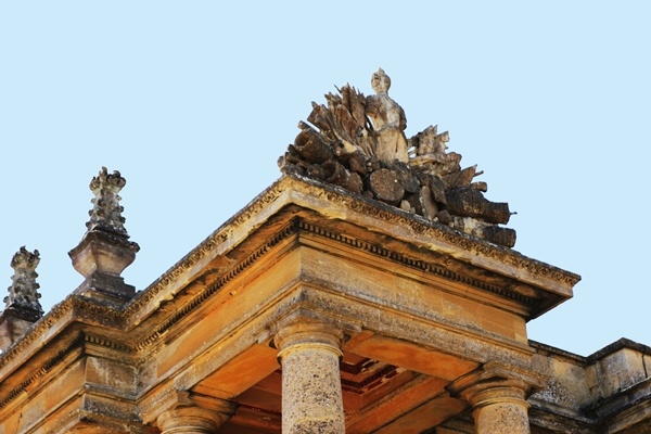 DIOR CRUISE-TEASING BLENHEIM PALACE 4
