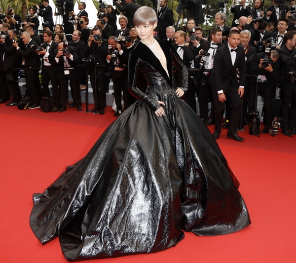 Li Yuchun aka Chris Lee – Julien Fournie Couture