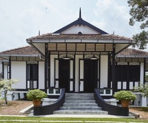 Pondok K'Seena Berusia 100 Tahun