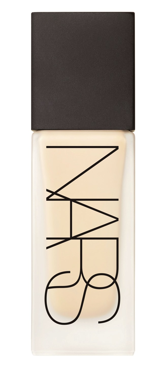 nars-all-day-luminous-weightless-foundation-fiji-with-cap