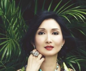 Aksesori Pilihan Sosialit: Simone Ng