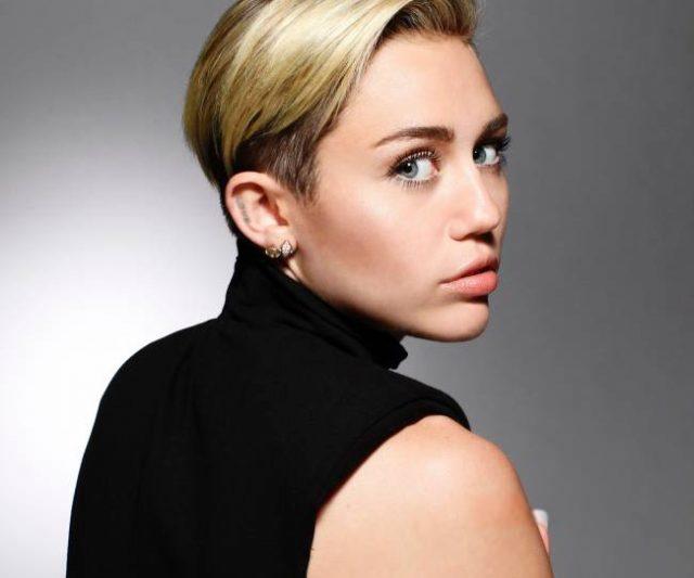 10 Pelakon Hollywood Yang Juga Penyanyi