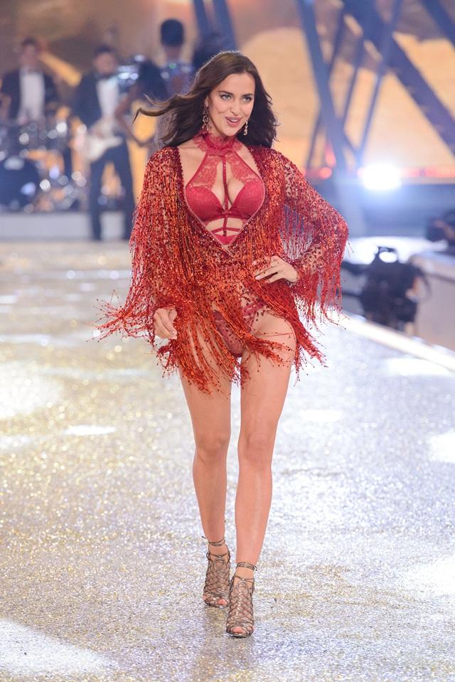 2016 Victoria's Secret Fashion Show