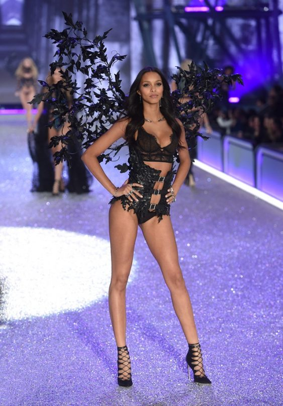 Victoria's Secret runway show, 113016
