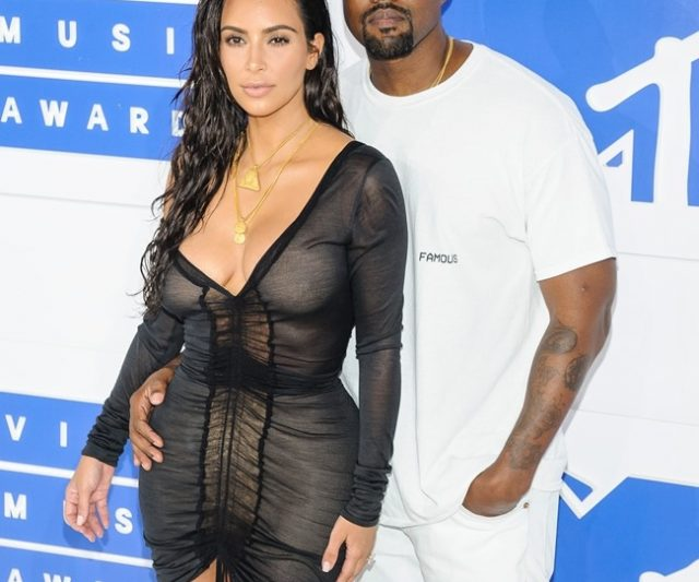 Kim & Kanye Dikhabarkan Tinggal Berasingan