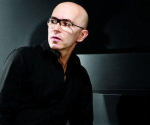 Pengarah Kreatif M.A.C James Gager Bakal Diggantikan Pengarah Kreatif Tiffany & Co.