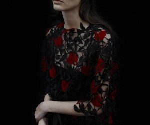Beauty and The Beast Diberi Sentuhan Fesyen Christopher Kane
