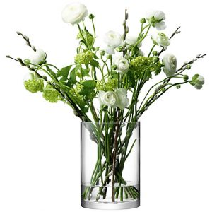Perkara Pertama Yang Perlu Anda Di Kediaman Untuk Melengkapkan Projek Gubahan Bunga Adalah Pasu Bergantung Kepada Saiz Dan Keadaan Fizikal Ruang