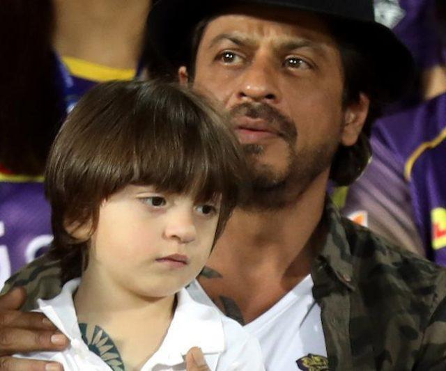 Shah Rukh Khan dan Anak Bongsunya Dilihat Mempunyai Tatu Yang Sama
