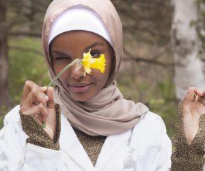 Kempen Fesyen Pertama Model Berhijab Halima Aden