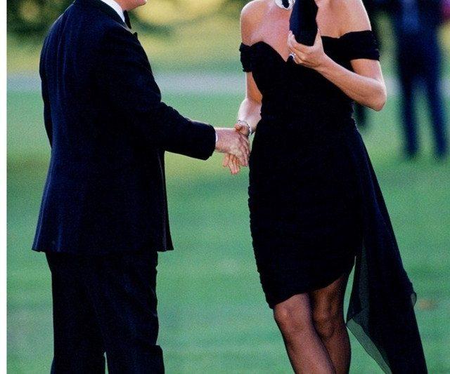 Sebab Sebenar Puteri Diana Sering Menggunakan Clutch Sebagai Aksesori