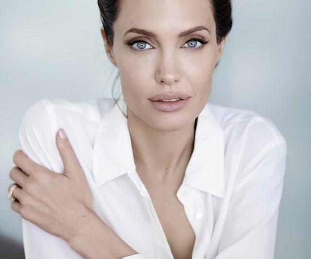 Angelina Jolie Cuba Menjalani Kehidupan Normal Namun Gagal