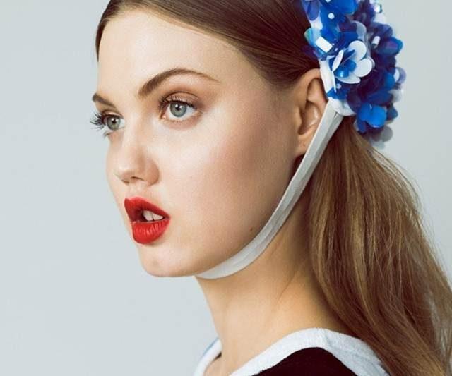 Top Model Lindsey Wixon Umumkan Persaraan