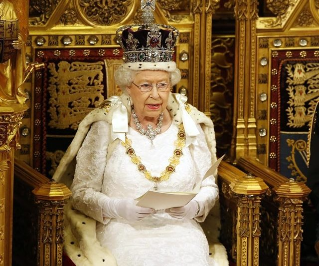 10 Monarki Terkaya Di Dunia!