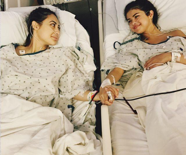 Selena Gomez Terima Buah Pinggang Daripada Teman Baik Sendiri