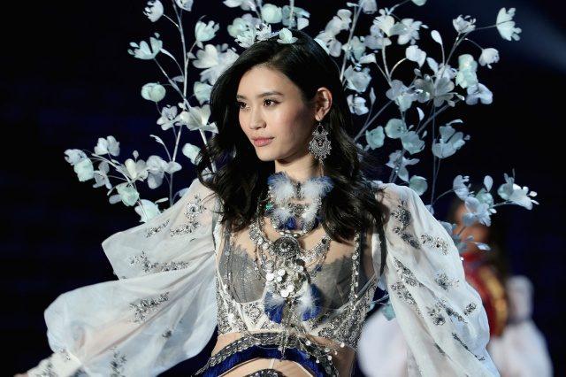 Model Victoria's Secret Ming Xi Kecewa Dengan Diri Sendiri