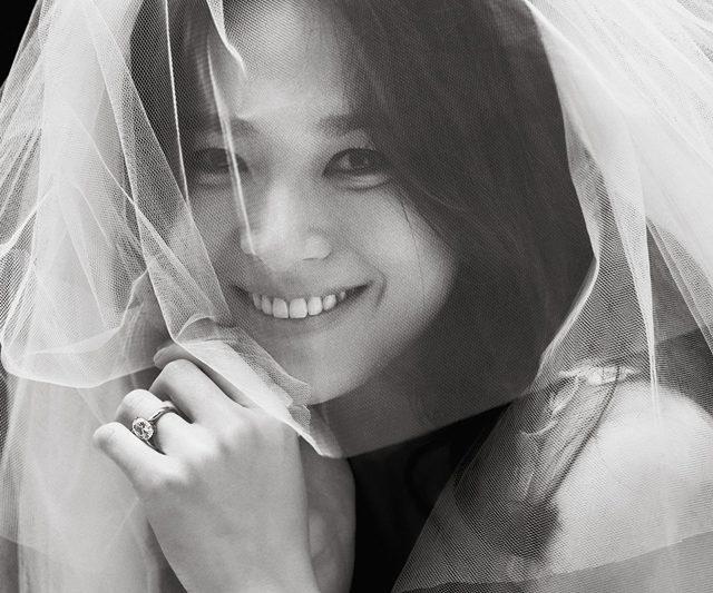 Di Sebalik Tabir Gaun Perkahwinan Aktres Korea Selatan Song Hye-Kyo