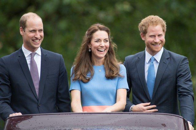 Kerabat Diraja United Kingdom Meraikan Berita Gembira Putera Harry & Meghan Markle
